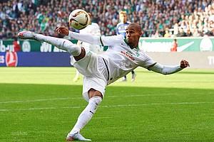 Volles Risiko: Werders Rechtsverteidiger zeigt sich in der Offensive immer wieder mutig (Foto: nordphoto).
